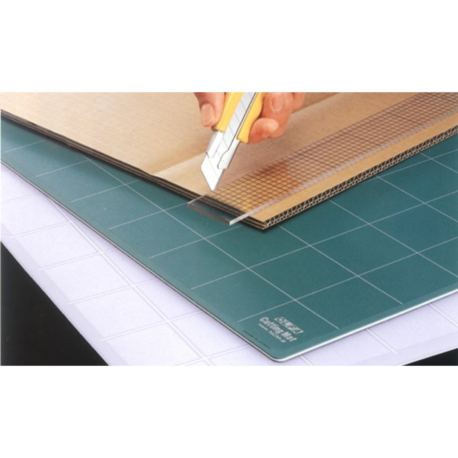 "Olfa NCM-L Cutting Mat Green 24"" x 36"" Illustration"